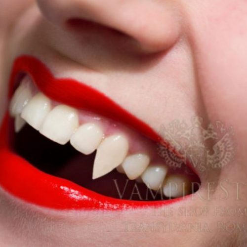 vampire-women-teeth